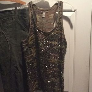 Lucky brand XL sequined camo tank 40 bust 26L